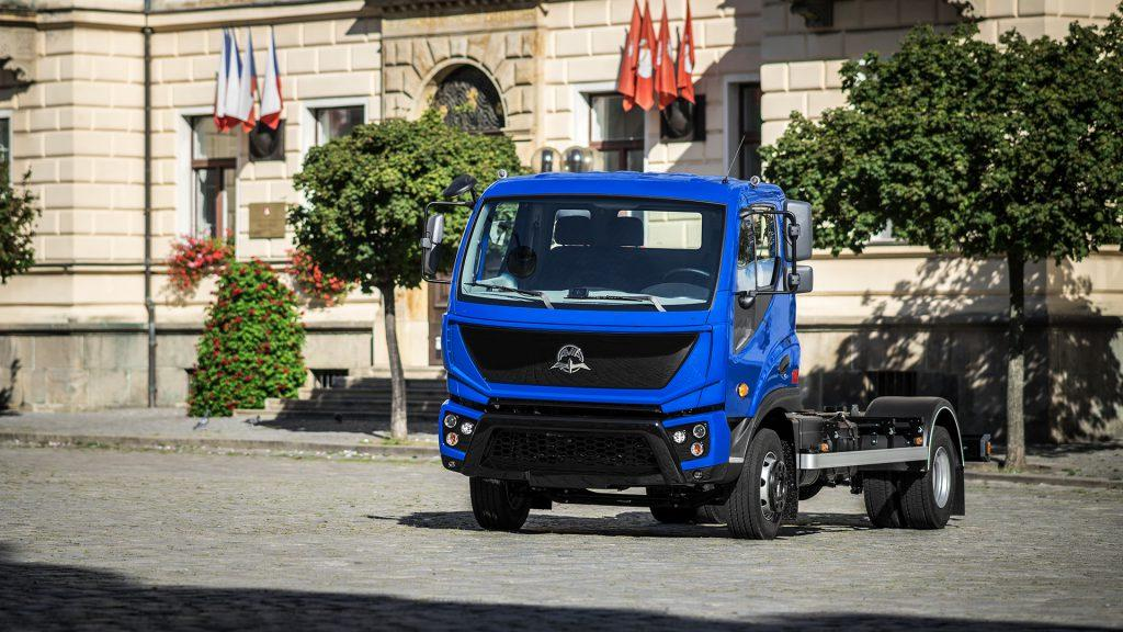 Грузовые фургоны Аvia