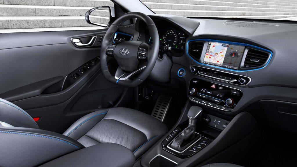 Hyundai Ioniq салон
