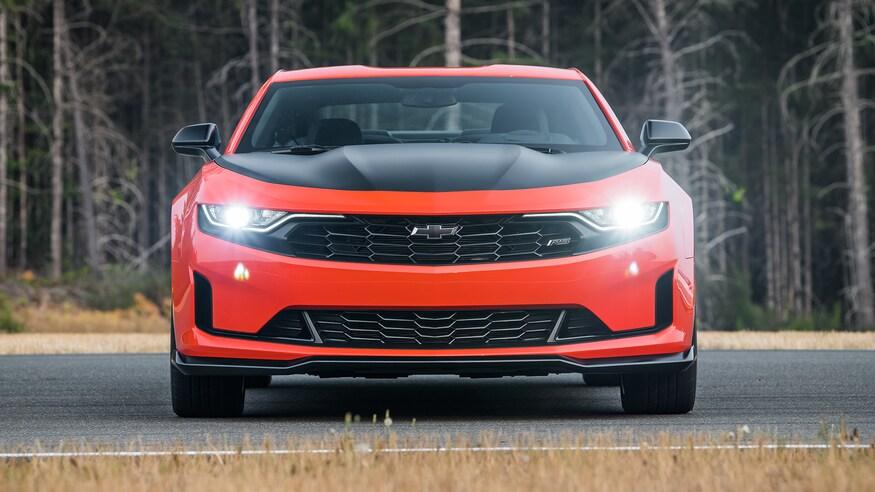 Chevrolet представляет обновленный Camaro Coupe