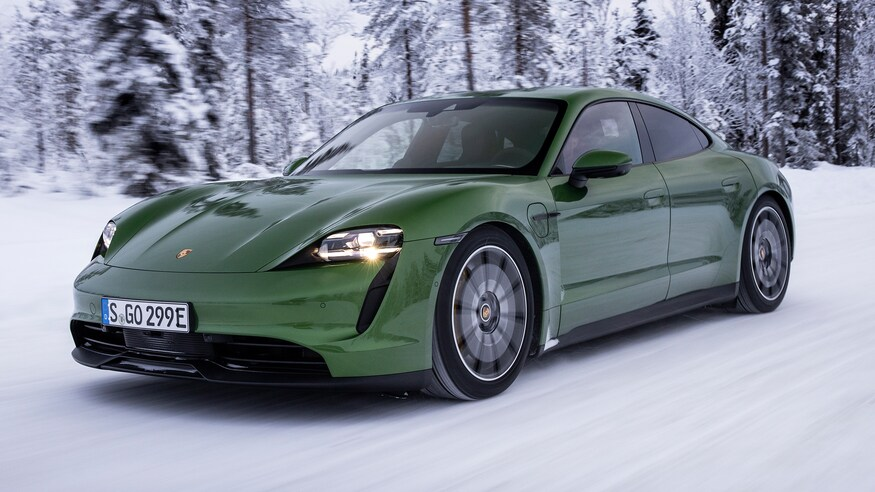 Porsche представляет электромобиль Taycan 4S