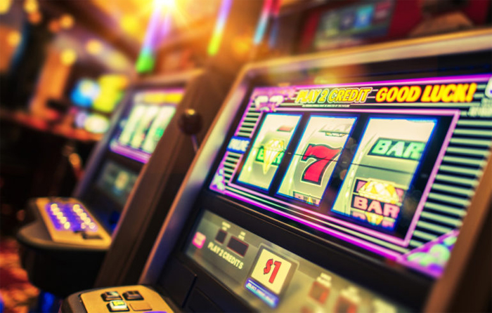 Особенности игры на деньги в казино Чемпион
