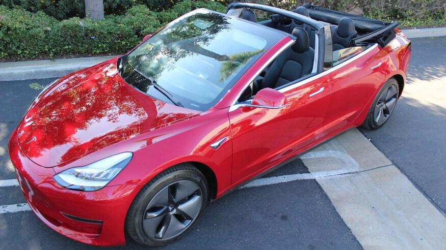 Tesla представляет кабриолет Model 3