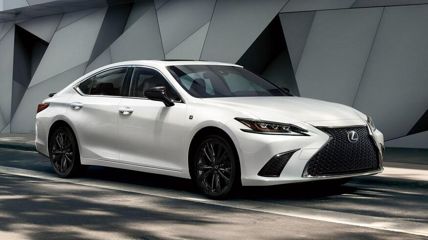 Lexus представляет обновленный ES