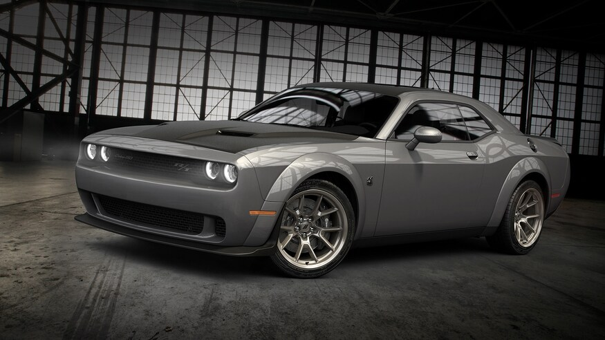 Dodge представляет варианты Challenger