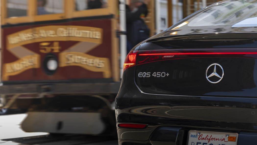Обзор первого привода Mercedes-Benz EQS 2022 года